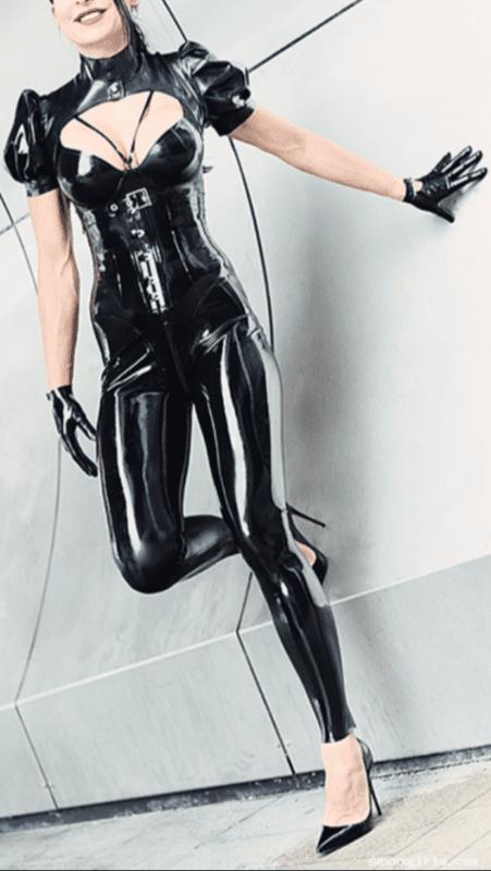 1498515272971869887_large-png.121|Katharina - Deutsche Fetisch Femme Fatale|6