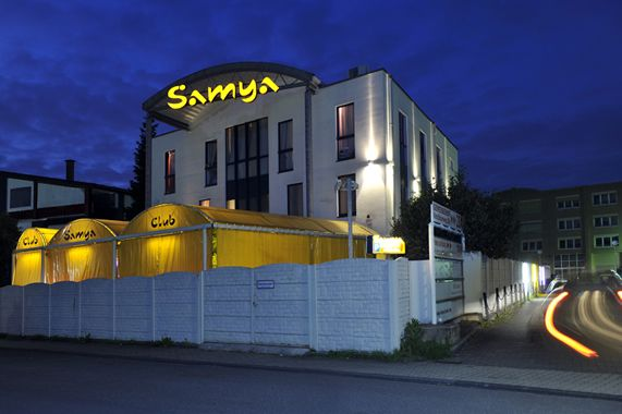 aussenansicht-nacht-7111_normal-jpg.3900 Samya 423