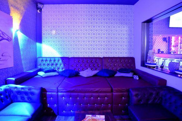 img-club13-jpg.3169|Golden Night|344