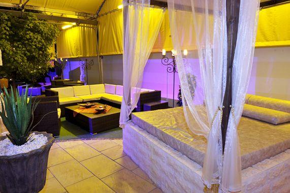 terrasse-aussenbereich-7095_normal-jpg.3904 Samya 423